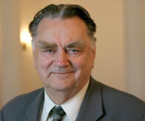 Почина поранешниот премиер на Полска