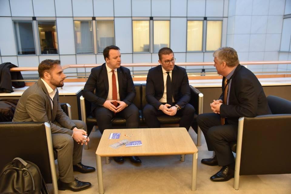(ВИДЕО) Мицкоски во Брисел на средби со европратеници
