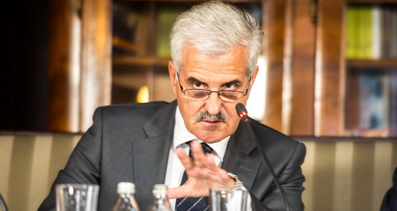 Гошев: Во Македонија не одлучуваат демократските институции, туку група на луѓе