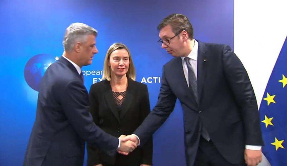 """Амбасадите на """"Група Квинт"""" ги повикаа Косово и Србија да ги обноват преговорите"""