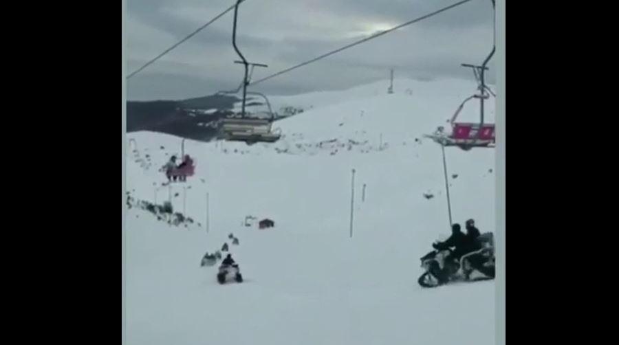 (ВИДЕО) Нова снимка од дивеењето на Заев и тајфата во Маврово: Се кршат закони, се вози по скијачката патека