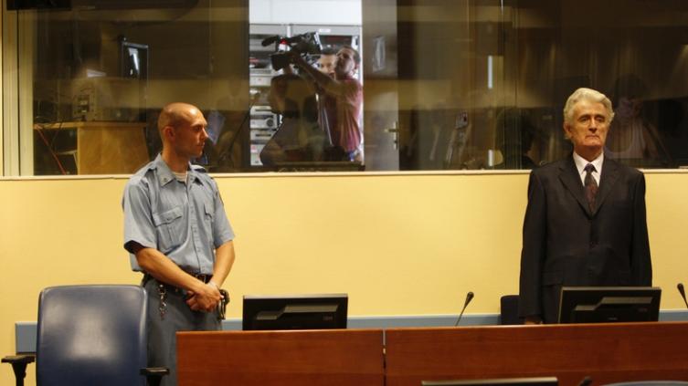 Караџиќ утре ќе ја слушне конечката судска пресуда