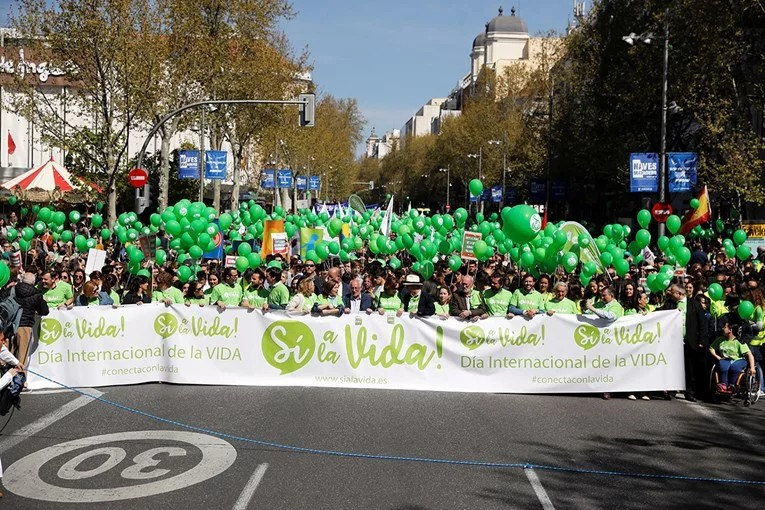 (ВИДЕО) Илјадници протестираа во Шпанија за забрана на абортусот