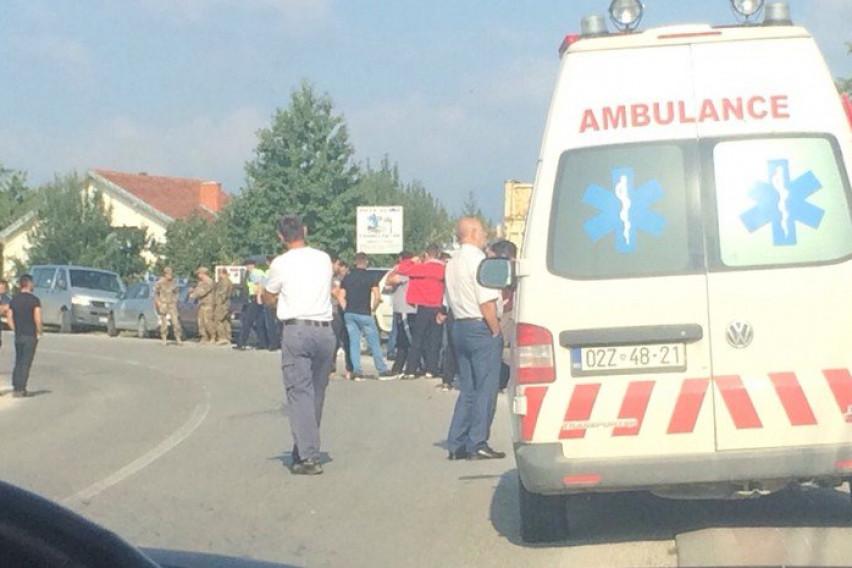 (ВИДЕО) Трагедија во Косово: Kамион влета во пешаци, има и жртви