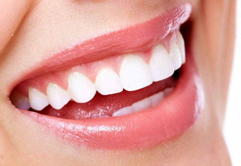Причина за пожолтувањето на забите е неквалитетната вода