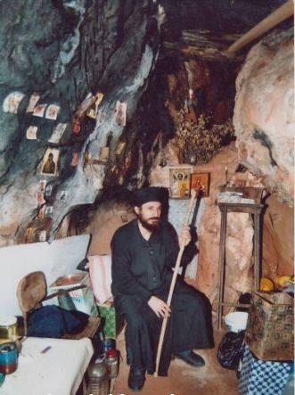 Единствениот монах Македонец се моли на македонски на Света Гора