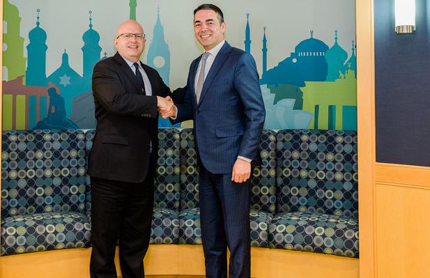 Рикер до Димитров: Со нетрпение ве очекуваме во НАТО