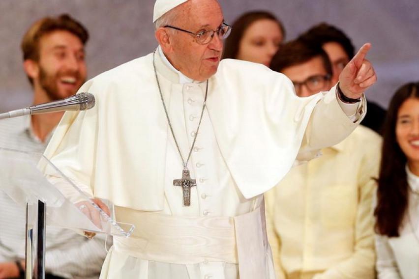 Папата испрати порака за шумските пожари низ светот