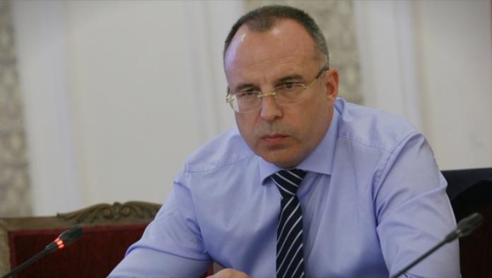 Бугарски министер поднесе оставка поради скандал: Со пари од ЕУ градел мотели