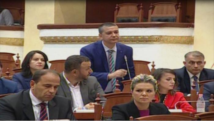 Стерјовски: Горд сум што сум прв пратеник во Собранието на Република Албанија