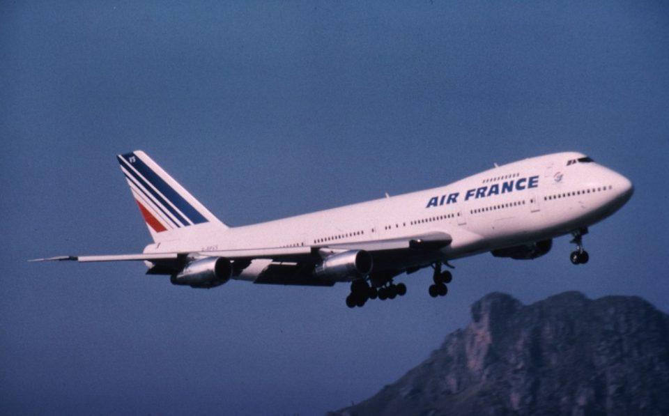 Патник се обидел насилно да влезе во пилотската кабина, авионот принудно слетал во Софија