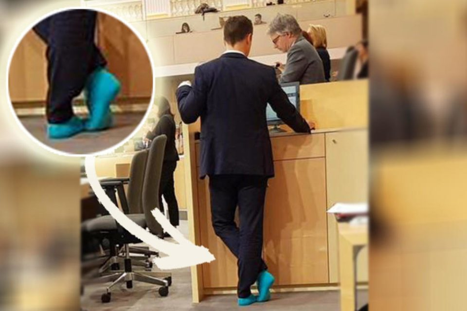 (ФОТО) Австриски министер само по чорапи на седница во парламентот