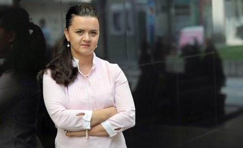 """Ременски како осомничена во """"Рекет"""" пристигна во Кривичниот суд"""