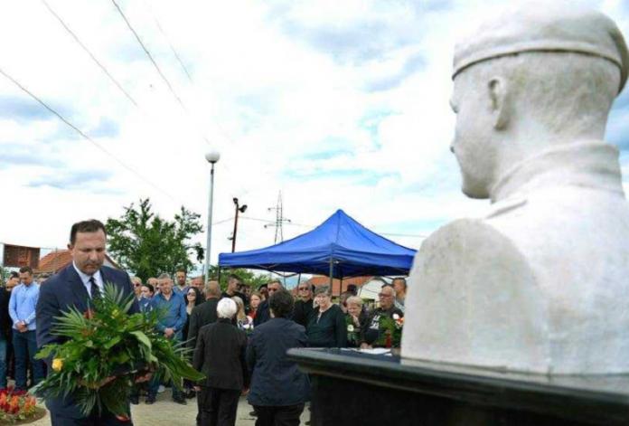 Поставен споменик на тигарот кој се бореше против терористите во Диво насеље