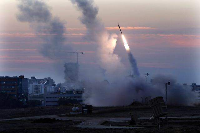 Газа испали над 200 ракети кон Израел