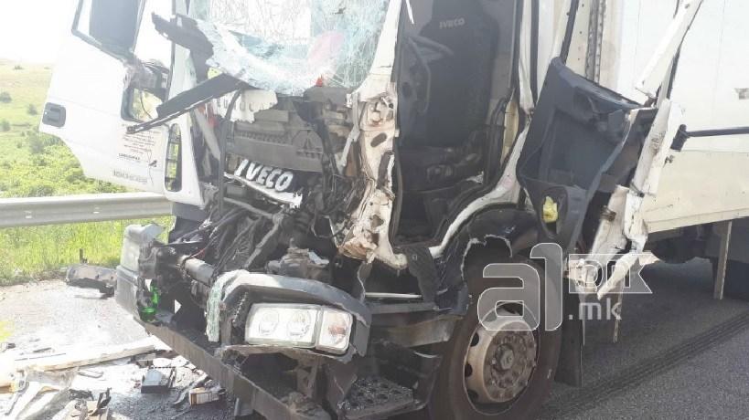 Детали за страшната сообраќајка кај обиколница: Едно лице загина – две тешко повредени