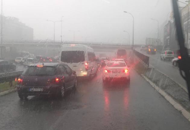 (ВИДЕО) Невремето направи хаос и во Белград