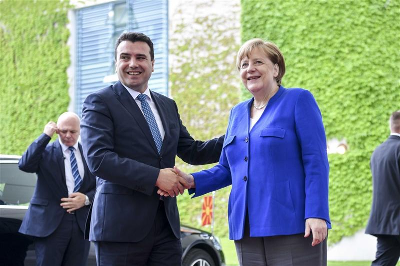 Меркел и Заев се огласија по средбата: Нема ни збор за датум за преговори!