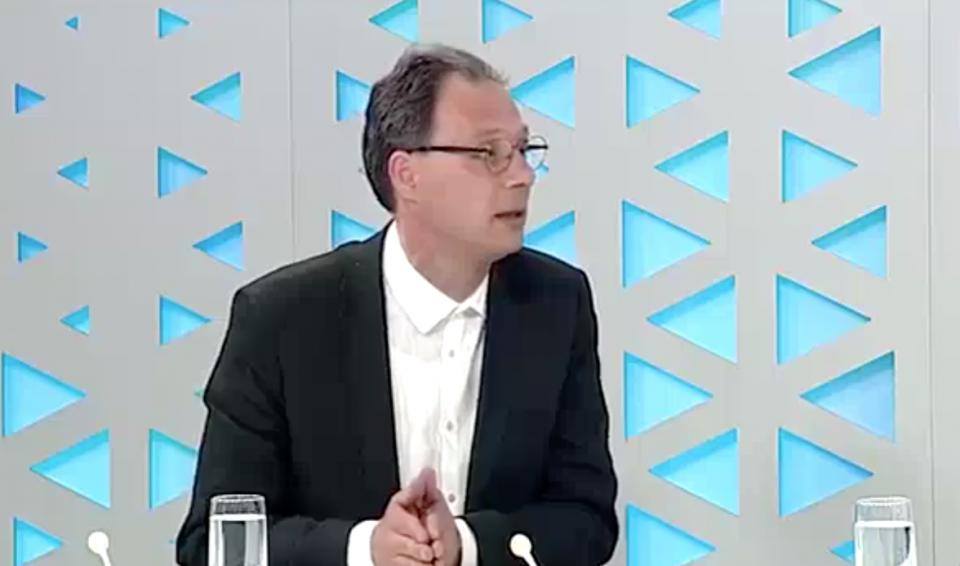 (ВИДЕО) Советникот на Заев: Од НАТО нема да видите ништо! Платите нема да растат!