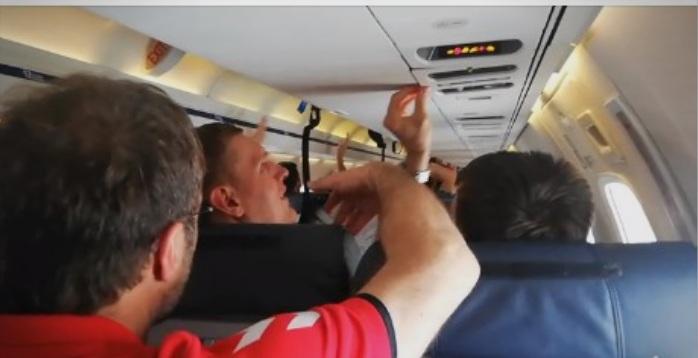 (ВИДЕО) Што се случуваше во авионот на Вардар пред да слета во Скопје?