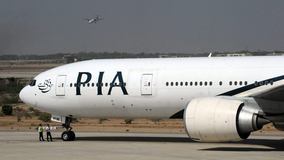 Патничка предизвика хаос во авионот: Наместо вратата од тоалетот, ја отвори вратата за итен случај