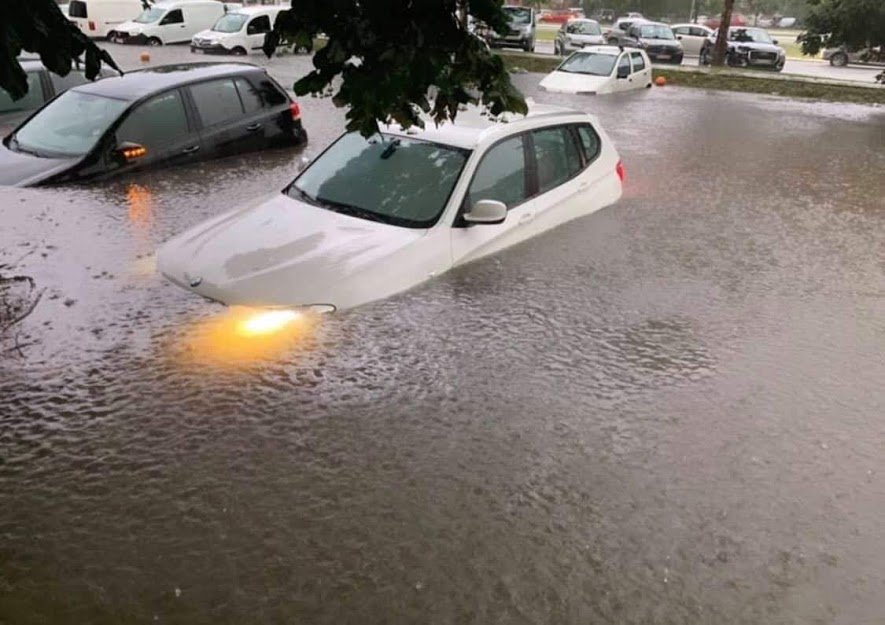 (ВИДЕО) Белград под вода – поплавени 20 градинки, многу домаќинства без електрична енергија