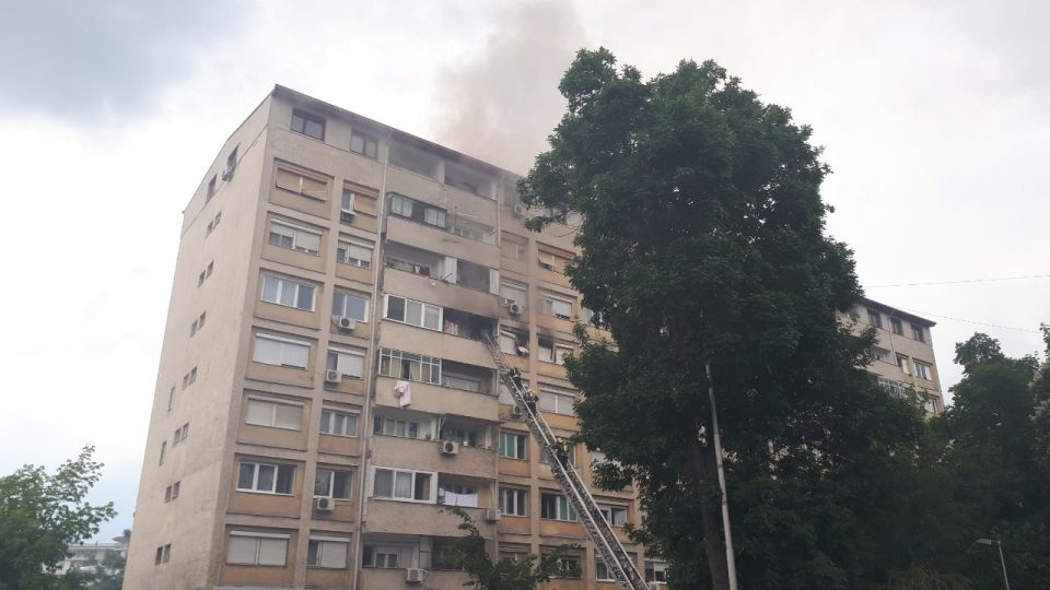 Пациентите од вчерашниот пожар во Кисела Вода во стабилна состојба