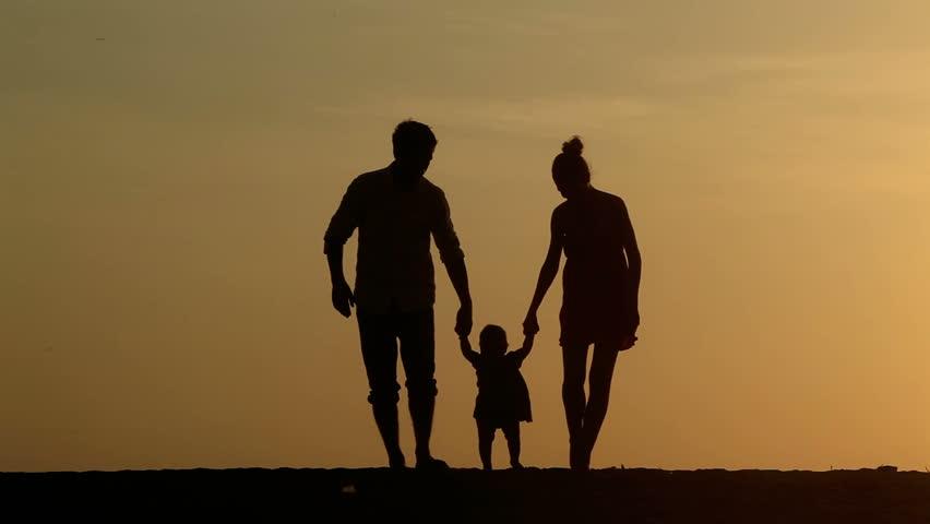 Хомосексуалка ја откри вистината на ЛГБТ борбата: Семејството мора да се редефинира!