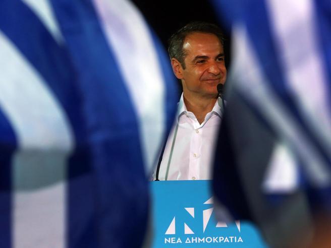 Грција го направи вистинскиот избор: Мицотакис е нов премиер!