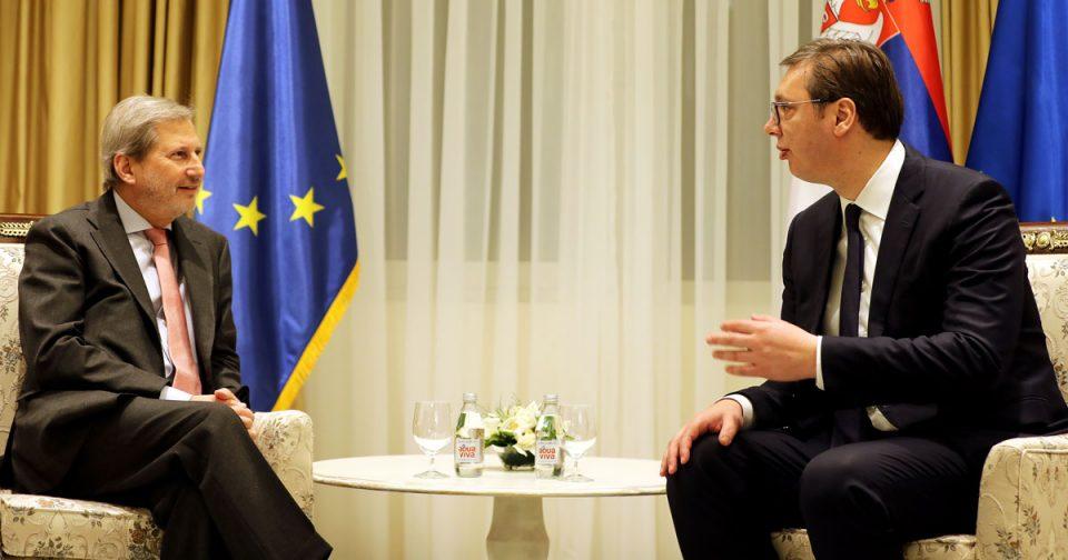 Вучиќ-Хан: Србија треба да го забрза процесот на реформи