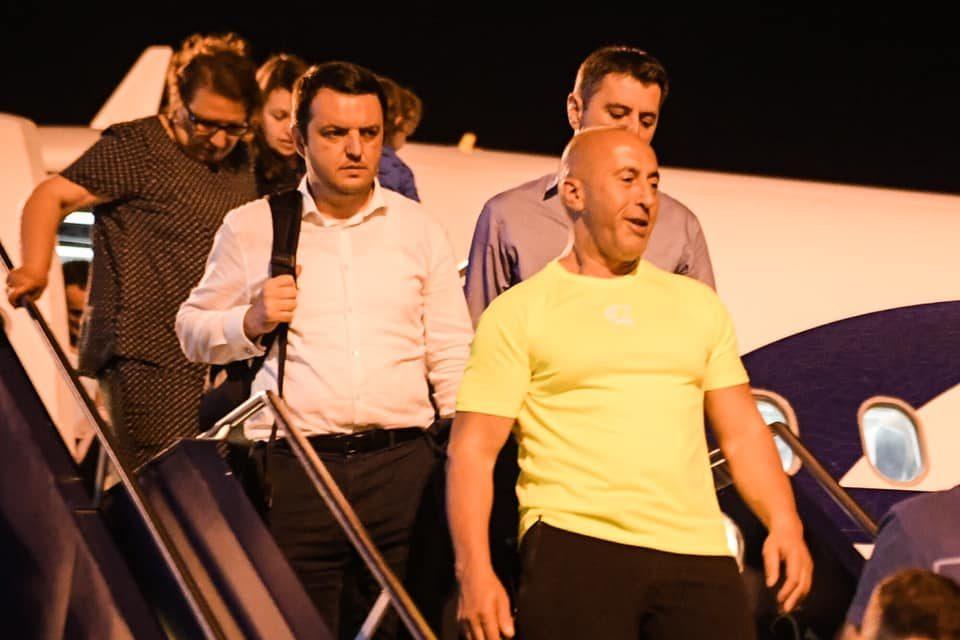 Харадинај се врати од Хаг – Во мојата невиност не може да се сомнева никој