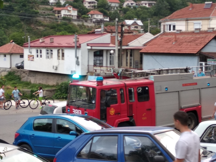 Две пожарникарски интервенции во Крива Паланка во рок од 70 минути