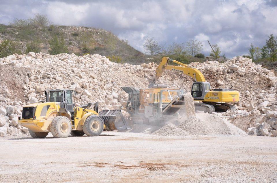 Работник загинал на работно место во каменолом
