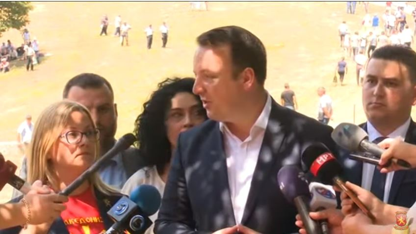 (ВИДЕО) Николоски на Мечкин Камен: Македонија и патриотите се вечни, оваа ненародна власт е минлива – Ќе победиме!