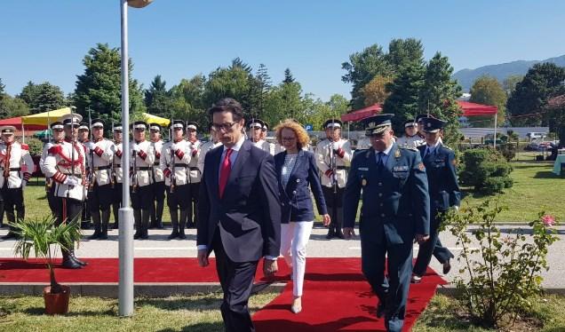 Пендаровски и Шекеринска во Охрид на свеченост за Денот на Армијата