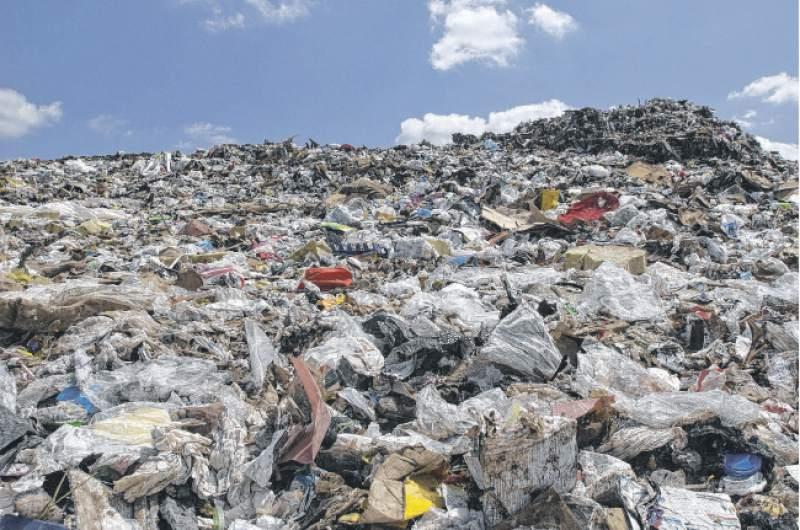 Индонезија и врати на Австралија брод со 210 тони отпад