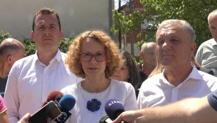 Шеќеринска: Ако ВМРО-ДПМНЕ е за ЕУ и НАТО, во септември да гласа за Законот за ЈО