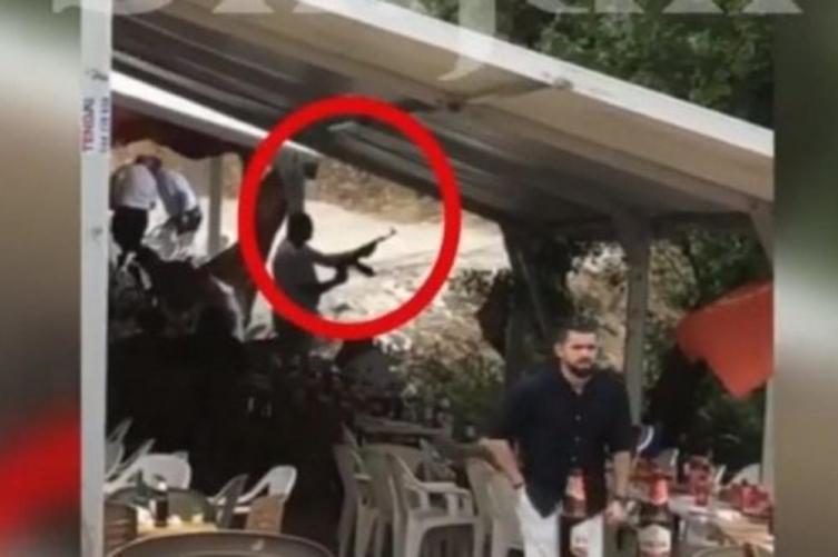 (ВИДЕО) Било албанска традиција: И Харадинај пукал на свадба