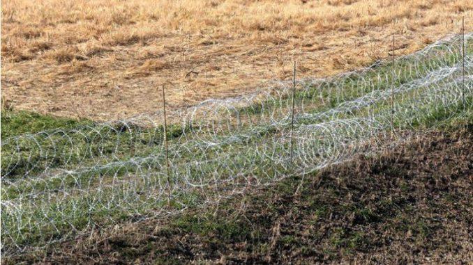 Словенија поставува дополнителна ограда на границата со Хрватска