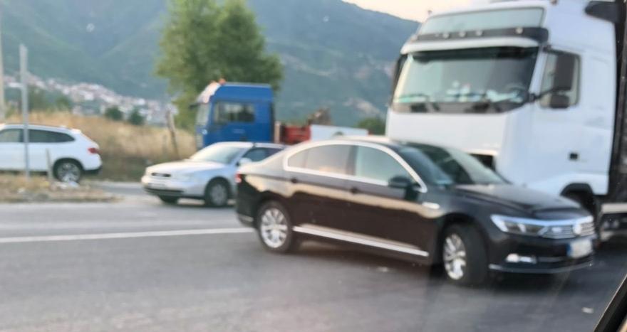 Министерот за култура Исмаили имаше сообраќајка со службеното возило