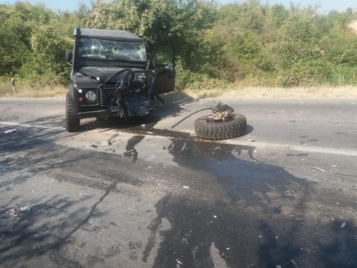 Тешка сообраќајка кај Камен Дол – еден загинат
