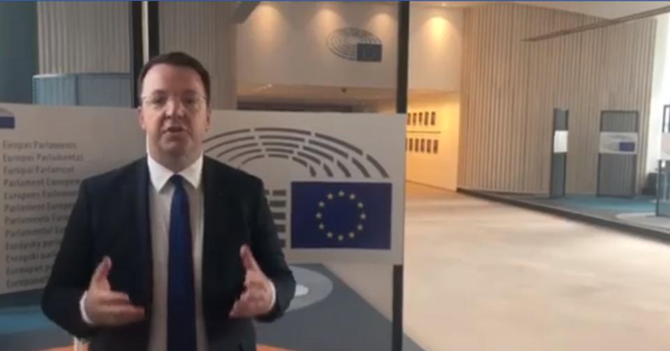 (ВИДЕО) Николоски од Брисел: На високо ниво разговаравме за наредните предвремени парламентарни избори на кои граѓаните ќе го казнат Заев