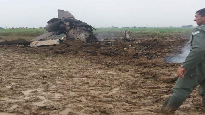 Се урна индиски борбен авион – екипажот успеа да се катапултира