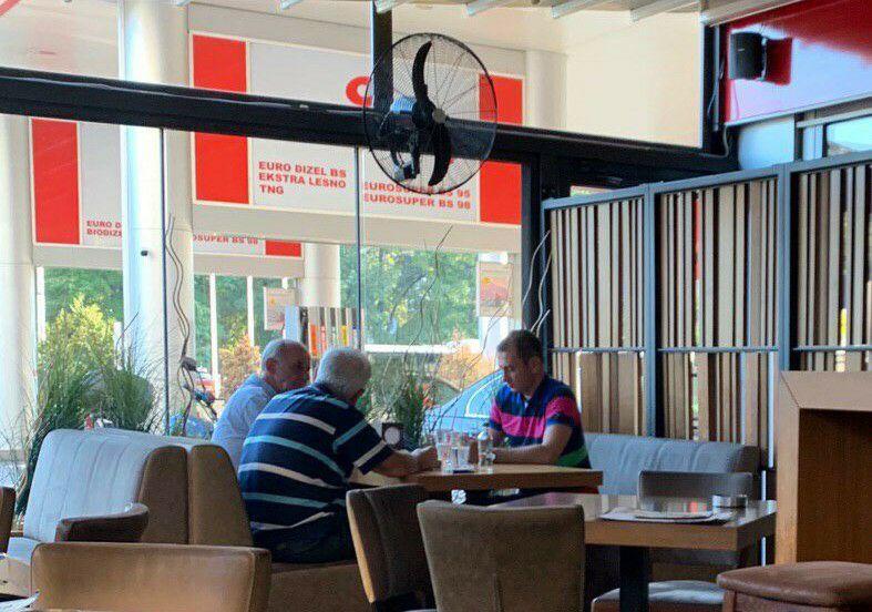 ЕКСКЛУЗИВНО: Што договараа адвокатот на Заев и јавниот обвинител Јовески на бензинската во скопски Карпош