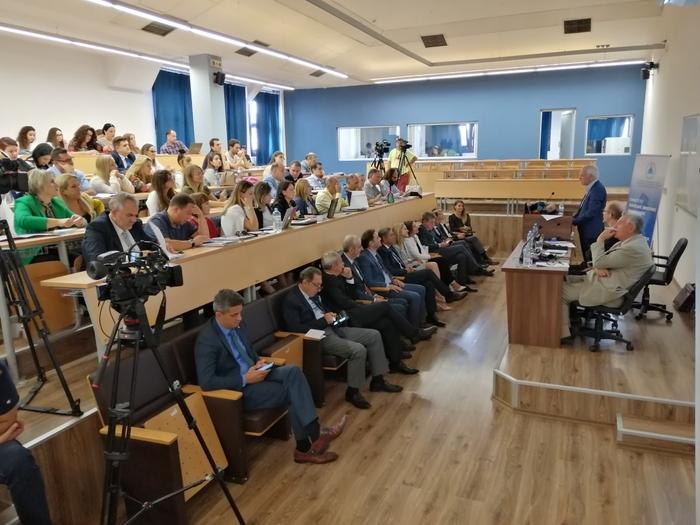Прибе: За владеење на правото во Македонија потребни се независни политичари