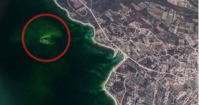 Фекалии кои се влеваат во Јадранско море видливи од вселената