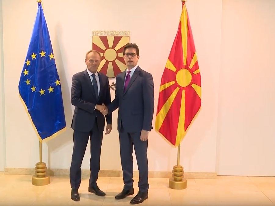 Пендаровски-Туск: Македонија донесе тешки одлуки за чувствителни прашања, очекуваме датум за преговори во октомври