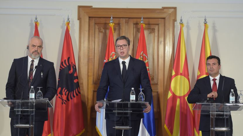 Вучиќ очекува преговорите со Македонија и Албанија за членство во ЕУ да бидат отворени во март