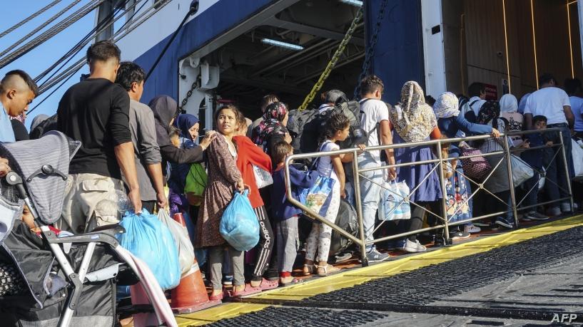 Околу 500 мигранти од грчкитe острови пренесени во Атина
