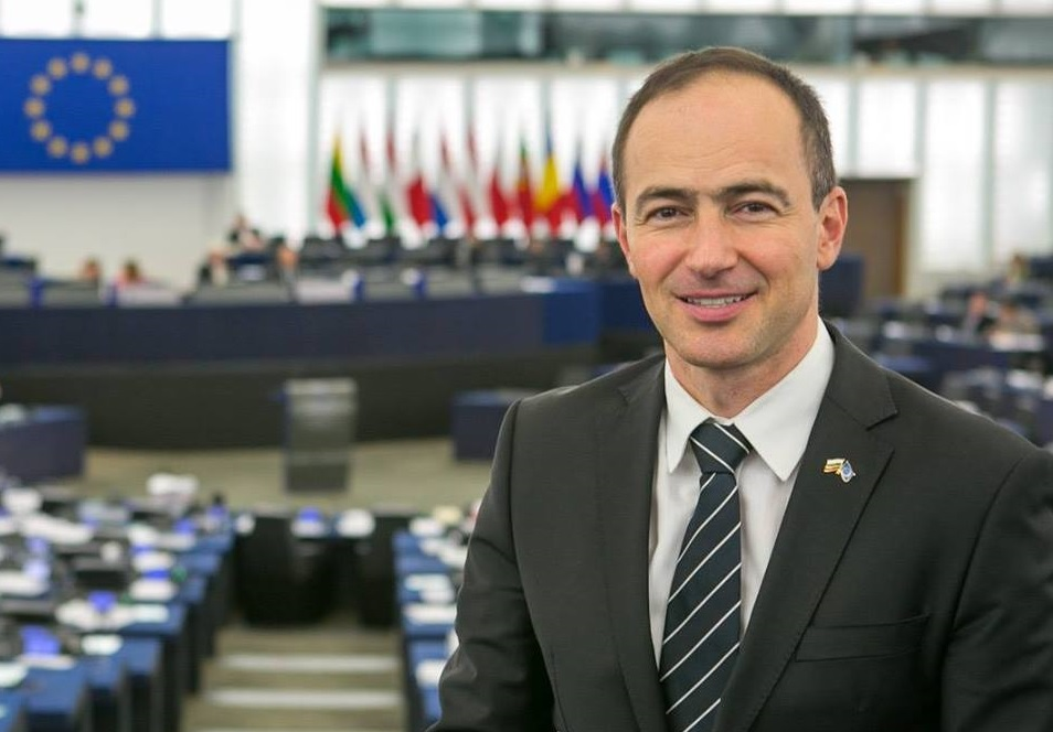 """Бугарија ја поддржува Македонија со """"ДА""""!"""